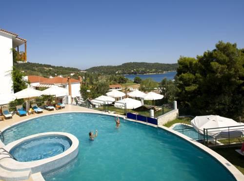 Skiathos hotels apartments and rooms for Skiathos hotels